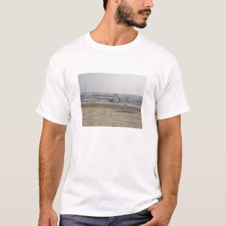 A praia camisetas