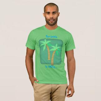 A praia está chamando t-shirt