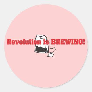 A revolução está fabricando cerveja adesivos em formato redondos