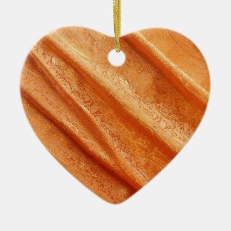 a seda drapeja ornamento de cerâmica coração