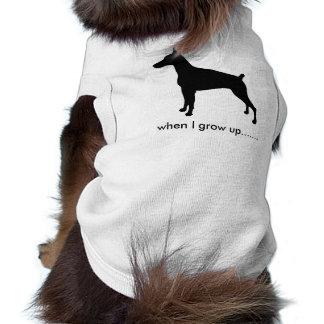 A silhueta de Dobe cresce acima Camisa Para Cães