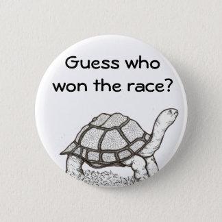 A tartaruga ganhou o crachá bóton redondo 5.08cm