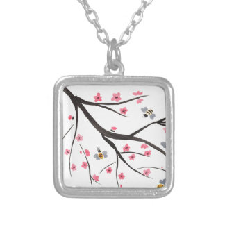 Abelhas e flores de cerejeira do mel colar banhado a prata