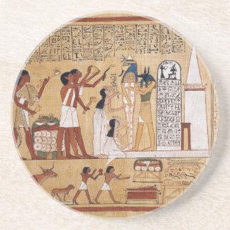 Abertura do livro da cerimónia da boca do morto porta copos de arenito