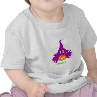 Abóbora má com chapéu da bruxa