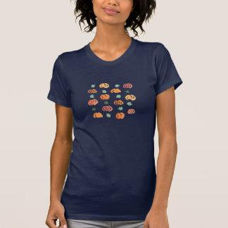Abóboras com t-shirt das folhas