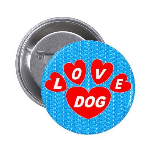 Abotoe corações do cão do amor vermelhos no azul b boton