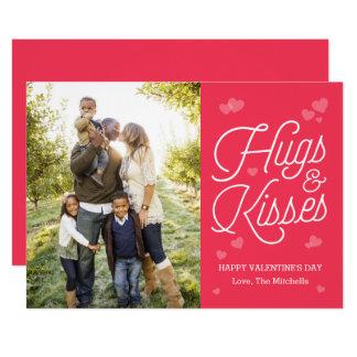 Abraçando cartões com fotos do dia dos namorados