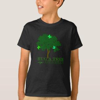 Abrace uma árvore! camiseta