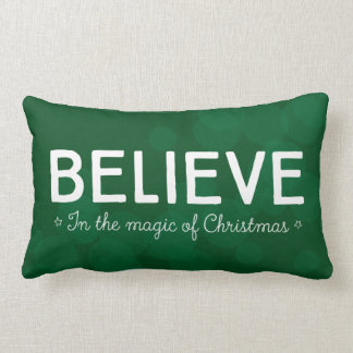 Acredite na mágica do Natal • esverdeie o bokeh Almofada Lombar