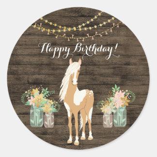 Adesivo Cavalo bonito e aniversário de madeira rústico das