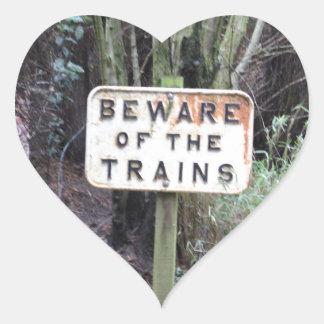 Adesivo Coração Beware dos trens! - Escala
