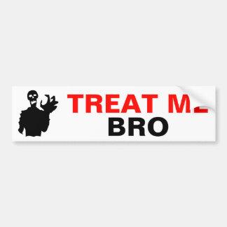 Adesivo De Para-choque O zombi trata-me Dia das Bruxas engraçado de Bro