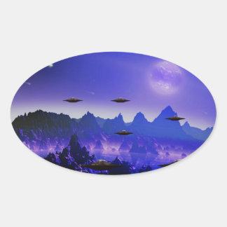 Adesivo Oval Objeto do vôo do UFO no espaço