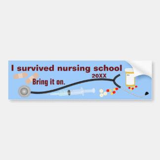 Adesivo Para Carro Eu sobrevivi à escola de cuidados