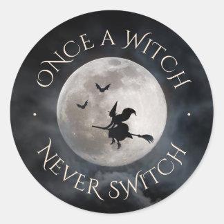 Adesivo Slogan engraçado da bruxa do Dia das Bruxas