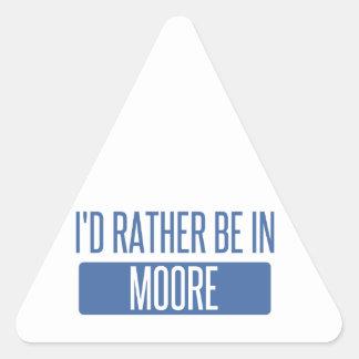 Adesivo Triangular Eu preferencialmente estaria em Moore