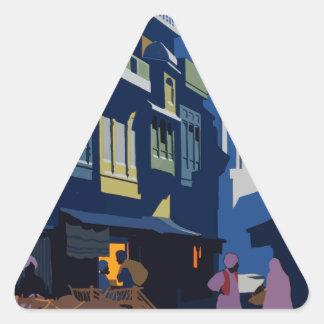 Adesivo Triangular Viagens vintage India uma rua pelo luar