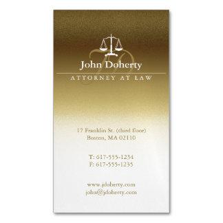 Advogado dourado em escalas elegantes da lei | de