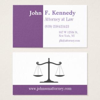 Advogado minimalista roxo no cartão de visita da