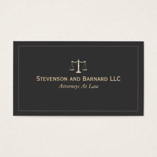 Advogado no cartão de visita do preto da lei
