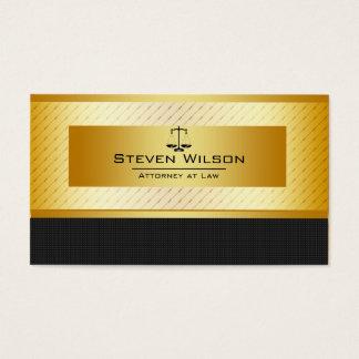 Advogado no preto da lei e na escala legal do ouro cartão de visitas