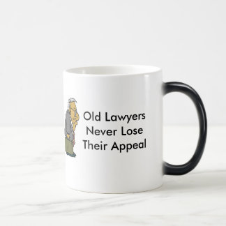 Advogados idosos caneca mágica