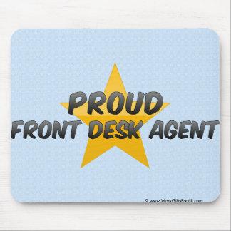 Agente orgulhoso da recepção mousepad