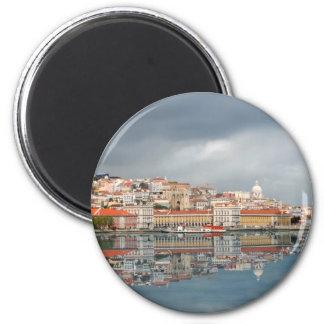 Ajardine a vista das construções em Lisboa, Portug Imã