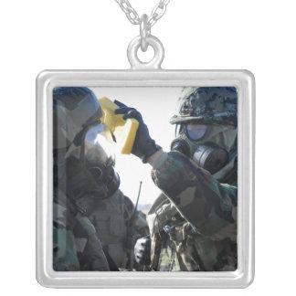 Ajuda dos soldados bijuterias personalizadas