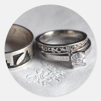 Alianças de casamento adesivo