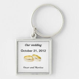 alianças de casamento chaveiro quadrado na cor prata