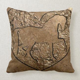 Almofada Cavalo mostrado em silhueta gravado