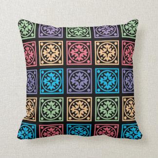 Almofada Círculos e travesseiro abstratos coloridos dos
