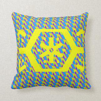 Almofada cores brilhantes verdes e amarelas do travesseiro