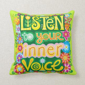 """Almofada """"Escuta o travesseiro da sua voz interna"""""""