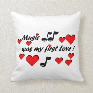 Almofada Music que my first Love
