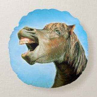 Almofada Redonda O cavalo de riso