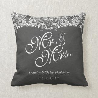 Almofada Sr. do quadro do laço e Sra. Casamento Descansar