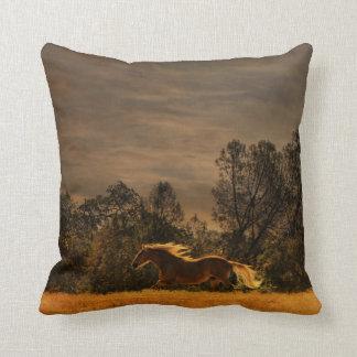 Almofada Travesseiro decorativo de funcionamento do cavalo