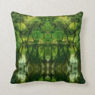 Almofada Travesseiro verde super estilizado das reflexões