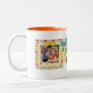 """Caneca De Café Em Dois Tons """"Ame-o laranja, cerceta & amarelo da caneca da"""