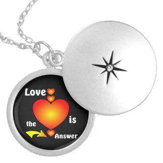 Amor Colar Medalhão