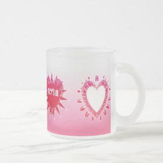 Amor dos corações do rosa do dia dos namorados de  canecas