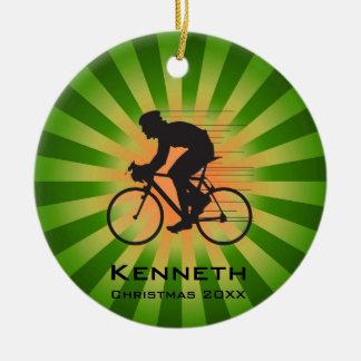 Andando de bicicleta que dá um ciclo o ornamento