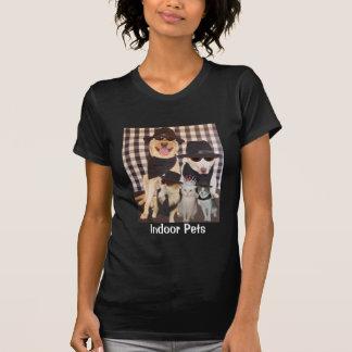 Animais de estimação internos t-shirts