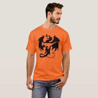Animal dentro do t-shirt de Dracorex do dragão