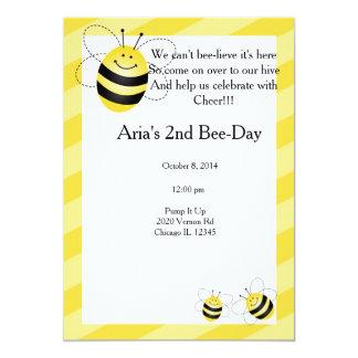 Aniversário da abelha convite 12.7 x 17.78cm