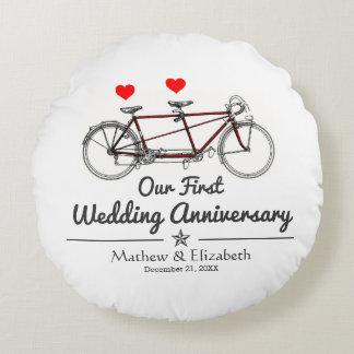 Aniversário de casamento feito sob encomenda da almofada redonda