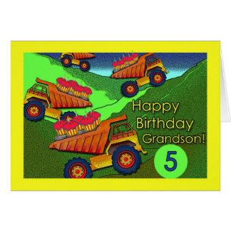 Aniversário para o neto, os camiões basculantes e cartão comemorativo